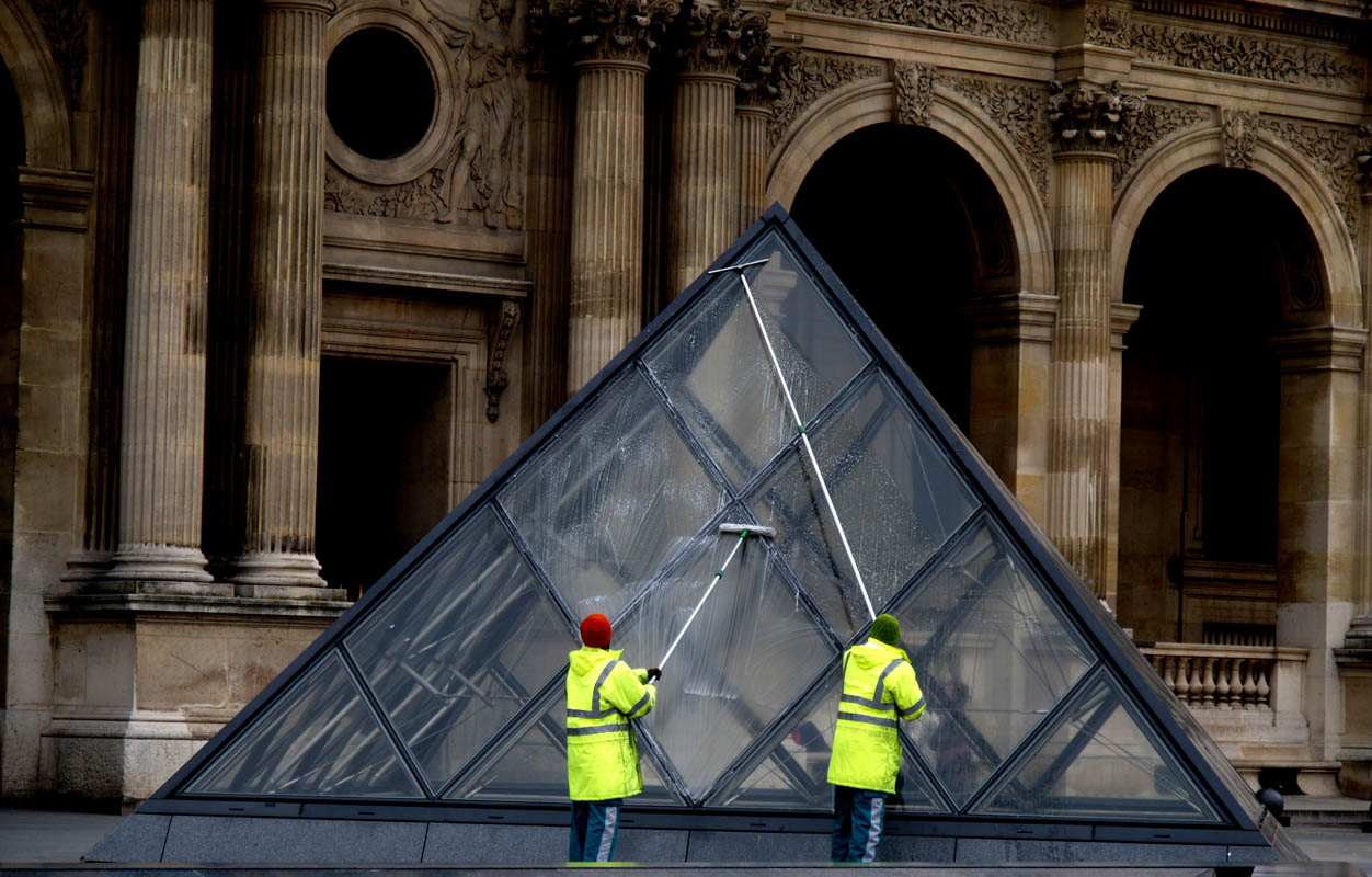 Maintaining I.M. Pei's Louvre pyramids, Paris